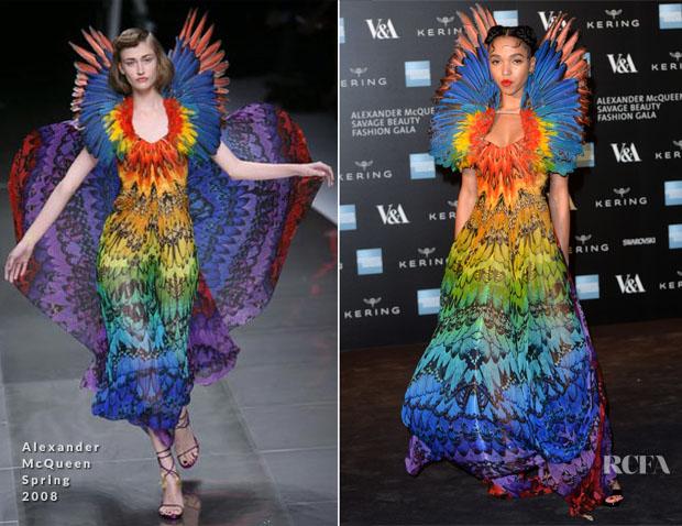 FKA-twigs-In-Alexander-McQueen-Alexander-McQueen-Savage-Beauty-Exhibition-Private-View