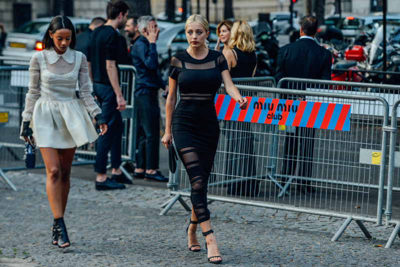 10-fall-2015-couture-street-style-22