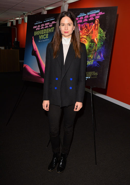 katherine-waterston-blazer-blue-buttons-h724