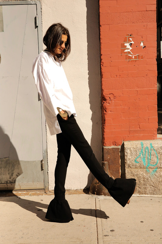 Man-Repeller-Leandra-Medine-White-shirt-Black-Pants-Challenge-16