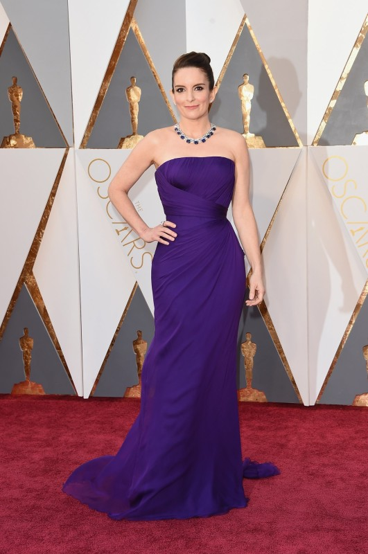tina-fey-oscars-red-carpet-2016
