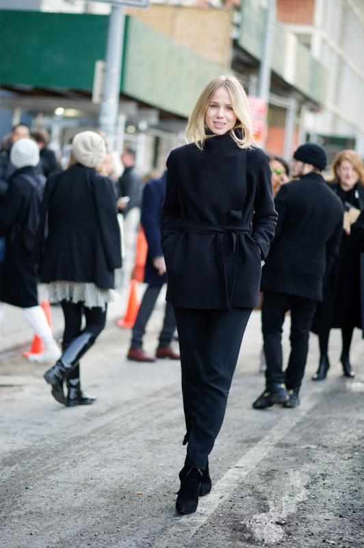 Elin-Kling street style yves saint laurent wrap coat all black style icon