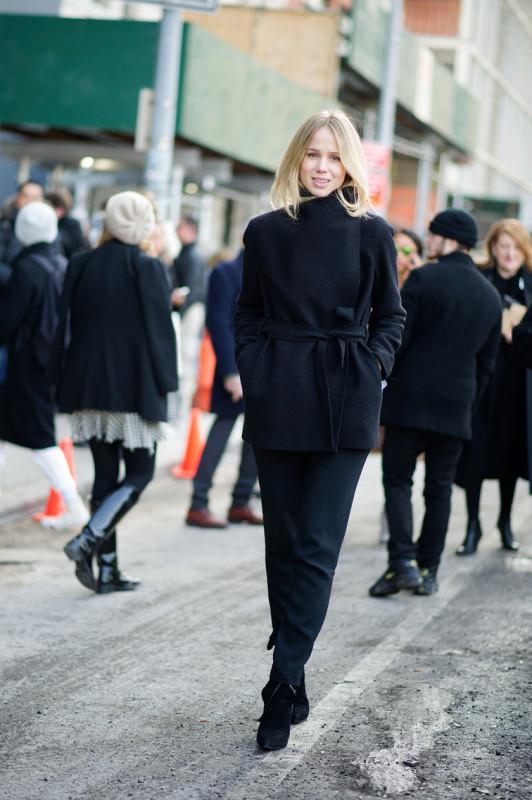 Elin-Kling street style yves saint laurent wrap coat all black style icon