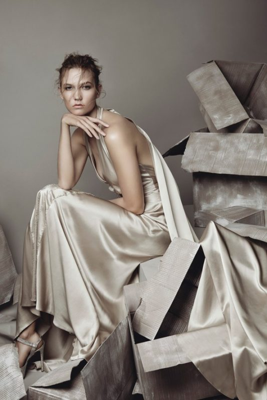 Karlie Kloss shot by Patrick Demarchelier for the Vogue December 2015 issue.
