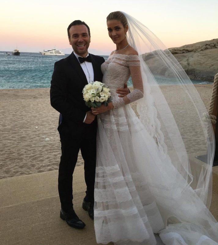 Ana-Beatriz-Barros-Valentino-Wedding-Dress-Design