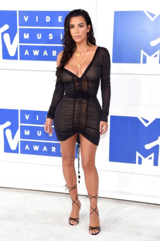 Kim-Kardashian-Black-Mini-Dress-2016-MTV-VMAs