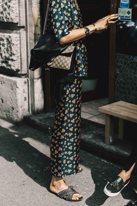 street_style_milan_fashion_week_versace_giamba_armani_596270207_800x