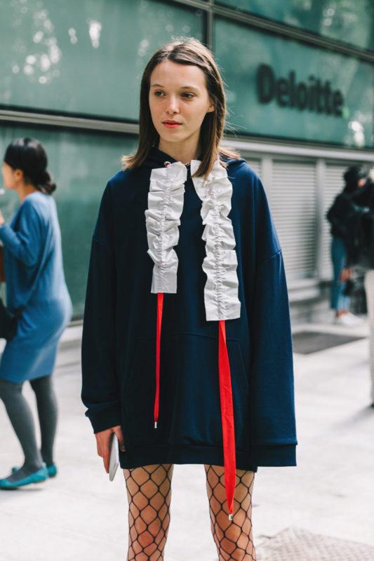 street_style_milan_fashion_week_versace_giamba_armani_722110443_800x