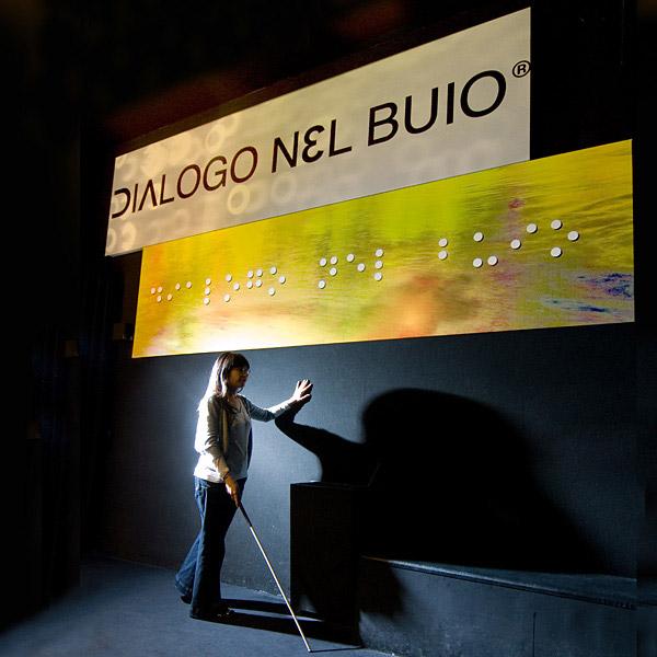 dialogonelbuio01