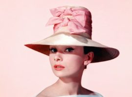 FASHION IN MOVIES: Audrey in rosa