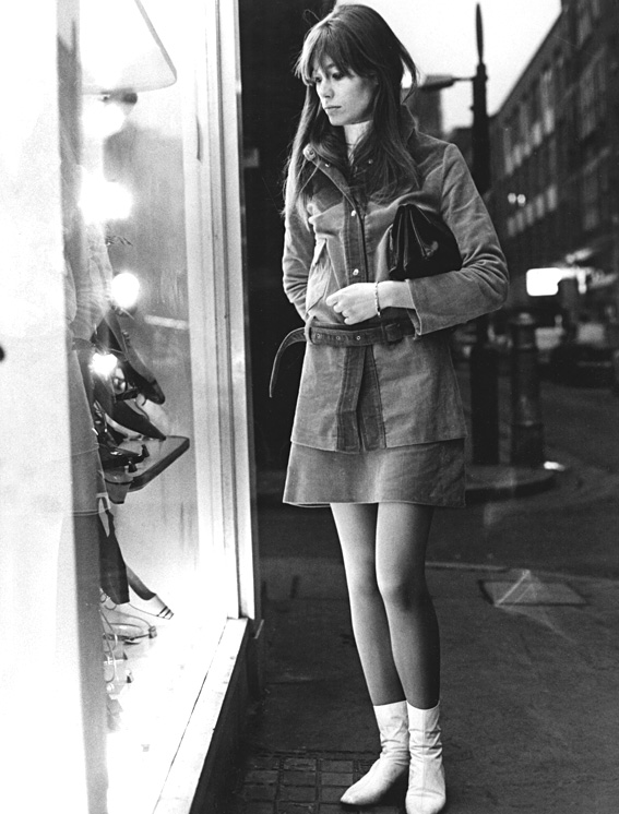 No Merchandising. Editorial Use Only. No Book Cover Usage Mandatory Credit: Photo by Everett Collection/REX USA (200353m) FRANCOISE HARDY - 1960s VARIOUS SIXTIES FASHION