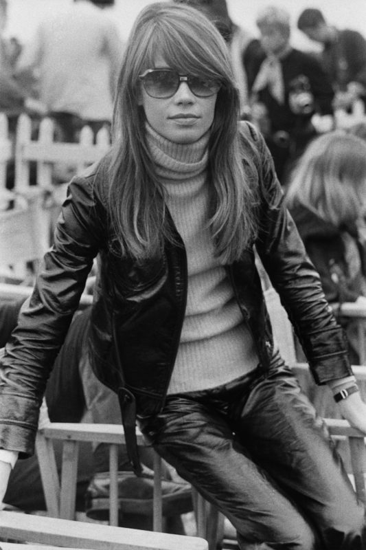French singer and actress, Fran?oise Hardy, at the Isle of Wight Music Festival, August 1969. (Photo by Daily Express/Hulton Archive/Getty Images)