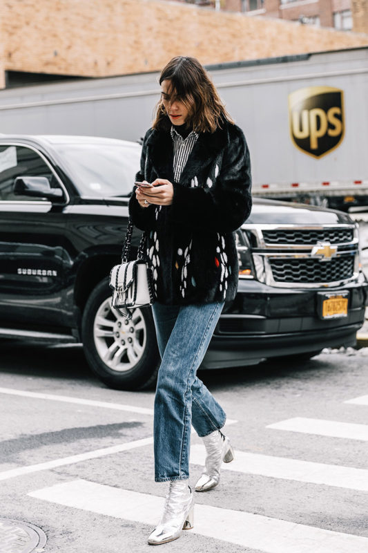 street_style_new_york_fashion_week_febrero_2017_dia_3_236333973_800x