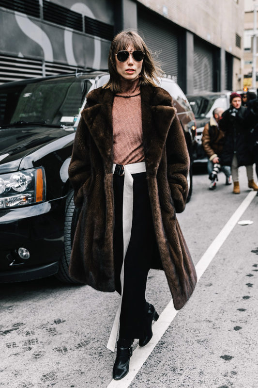 street_style_new_york_fashion_week_febrero_2017_dia_3_319175884_800x