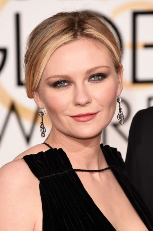 BEVERLY HILLS, CA - JANUARY 10: Actress Kirsten Dunst attends the 73rd Annual Golden Globe Awards held at the Beverly Hilton Hotel on January 10, 2016 in Beverly Hills, California. (Photo by Jason Merritt/Getty Images)