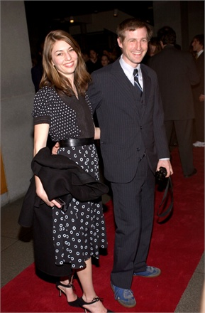 """403733 15: Directors Sofia Coppola and Spike Jonze attend the after party for, """"A Work in Progress: An Evening with David O. Russell"""" at the Museum of Modern Art April 10, 2002 in New York City. New Line Cinema, Miramax Films, and Warner Brothers have donated prints of Russell's film to the museum. (Photo by Lawrence Lucier/Getty Images)"""