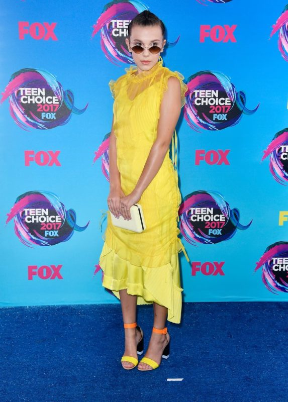 Millie-Bobby-Brown-Yellow-Dress-Teen-Choice-Awards-2017
