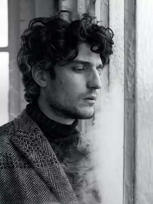 85edfa67155eef77c496d491ea3d5779--louis-garrel-officiel