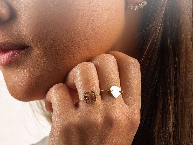 sr-indossati-isola-anelli