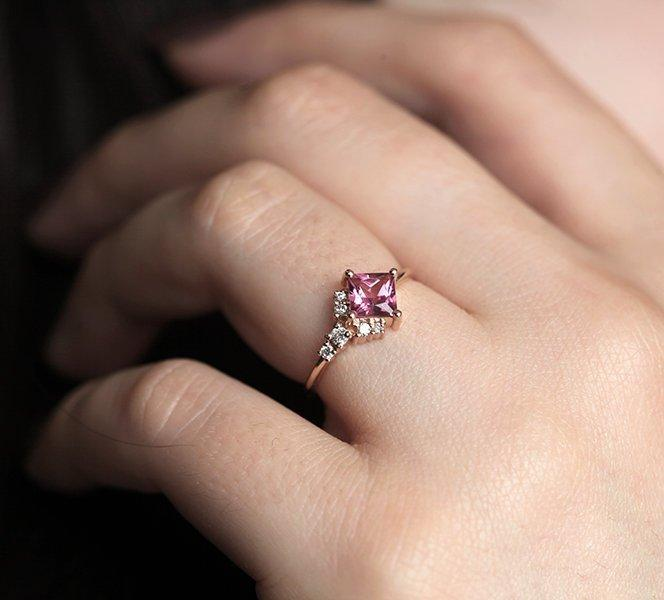 capucinne pink ring