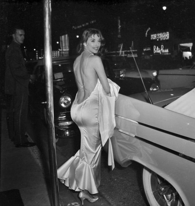 Vikki Dougan in the 1950s (10)